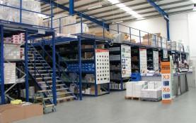 El sistema de almacenamiento 'low cost' de Metalcad Storage System. Es ideal cuando las necesidades de distancias entre pilares y cargas no son un problema.