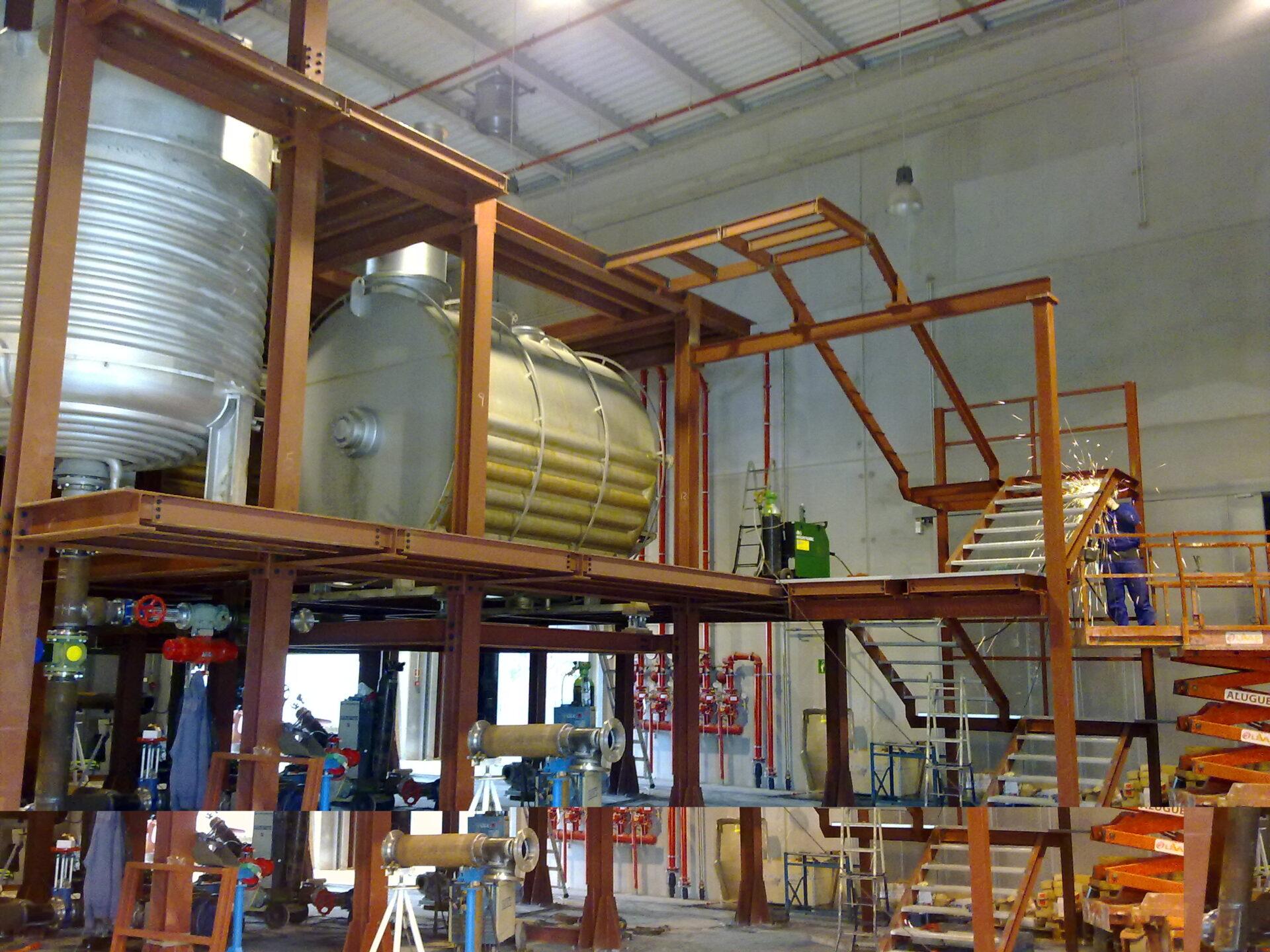 Entreplanta especial para maquinaria pesada en nave industrial Para una localidad cercana a Lisboa diseñamos esta instalación peculiar donde van instaladas cuatro máquinas de 7 y 10 Toneladas. Metalcad se adaptó a las necesites del cliente y consiguió tanto en […]