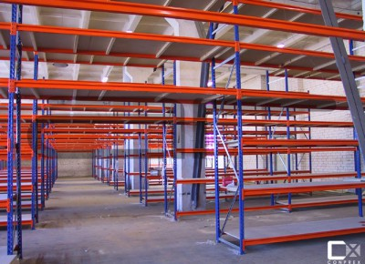 Estantería económica para almacenar cargas medias y ligeras Ideal para el almacenaje de producto mediano o pequeño. Existen dos versiones, para cargas ligeras y para cargas medianas. De carga manual, se adapta a todo tipo de productos. Es de fácil […]